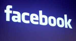 111003_facebook_logo_reuters_328